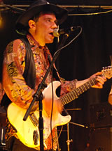 Robin Bibi, blues guitarist, singer & songwriter